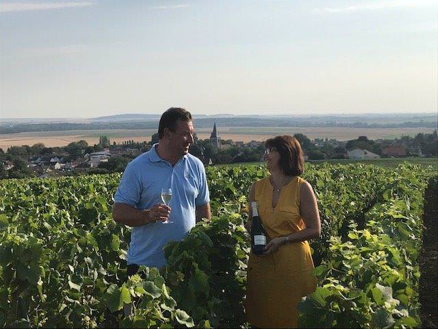 Das Bild zeigt das Duo Boulard-Bauquaire Winzerehepaar in die Champagne Montagne de Reims