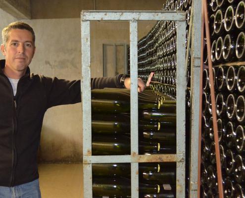 Das Bild zeigt den Winzer Yannick Létourneau - Les Chais Létourneau- Crémant de Bourgogne AOP